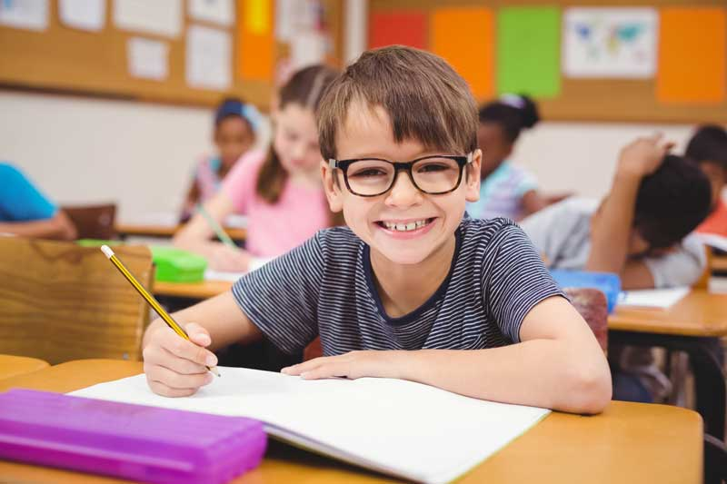 child-with-glasses-800px